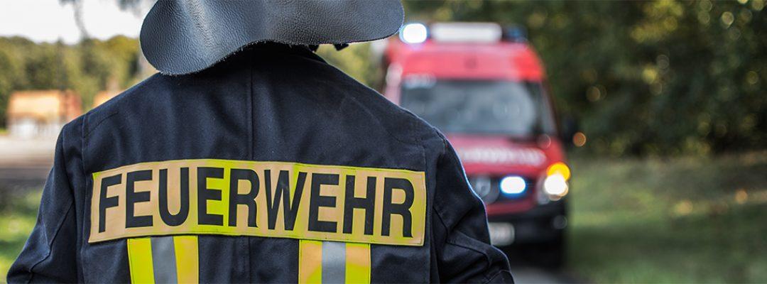 Gebäude brennt in Staffhorst